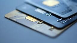 Credit card. Collection: kursiv.com